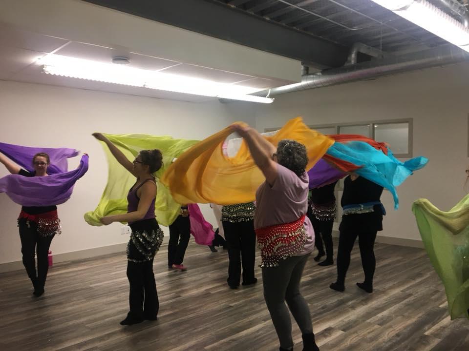 pretty beginner dancers with veils